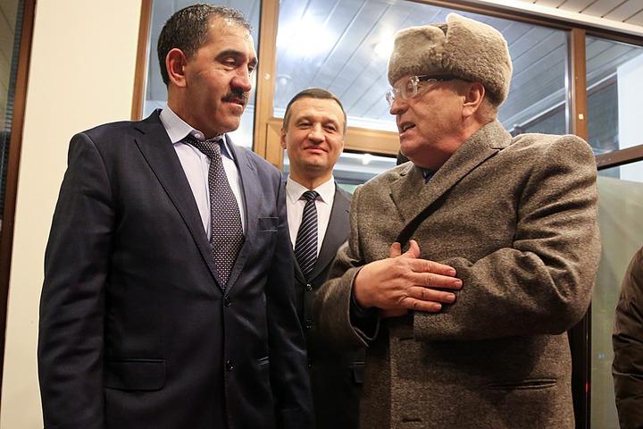 Жириновский извинился перед кавказцами