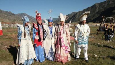 В Барнауле покажут свадебные костюмы и обряды алтайцев