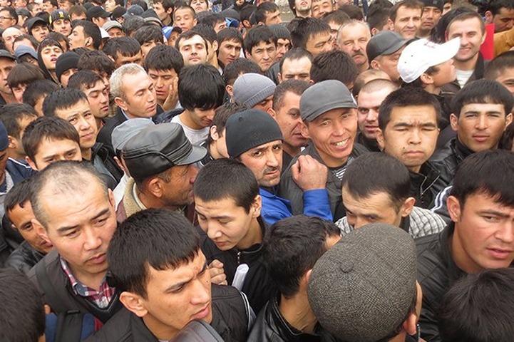 В 2013 году мигрантов стали чаще выдворять из России