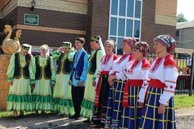 Симпозиум резчиков и фестиваль национальных культур одновременно прошли в Мордовии