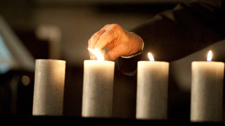 В Еврейском музее зажгли свечи в память о жертвах Холокоста