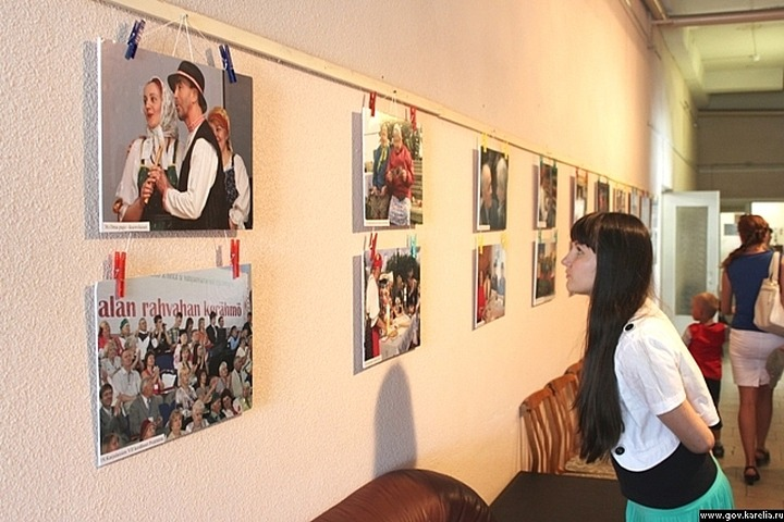 """Юбилею """"Союза карельского народа"""" посвятили выставку в Кондопоге"""