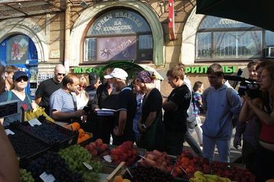 """Полиция задержала националистов, проводивших """"зачистку"""" нелегальных торговцев в Москве"""