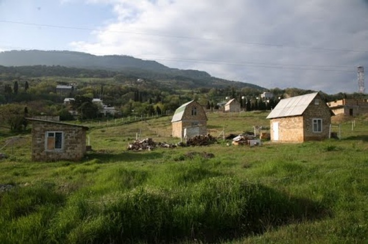 Крымским татарам начали раздавать землю
