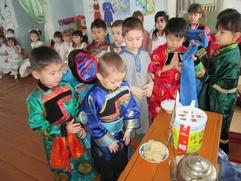 Глава Бурятии предложил ввести обязательный минимум по бурятскому языку в детсадах