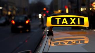 Иностранцам без российского гражданства могут запретить водить такси