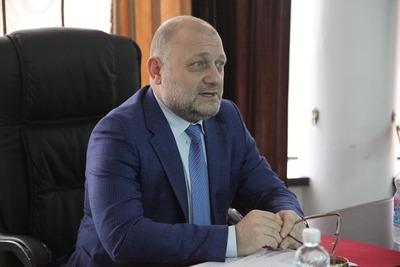 """Министр нацполитики Чечни потребовал от """"Новой газеты"""" извинений за публикацию о геях"""