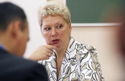 Министр образования призвала следовать поручениям Путина в языковом вопросе