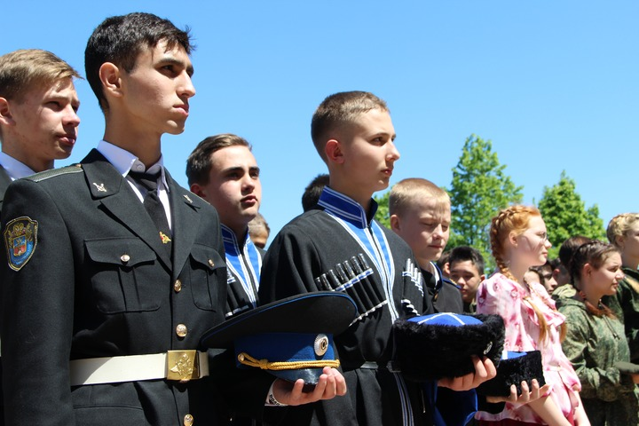 Казаки войска Донского отправились на службу в армию