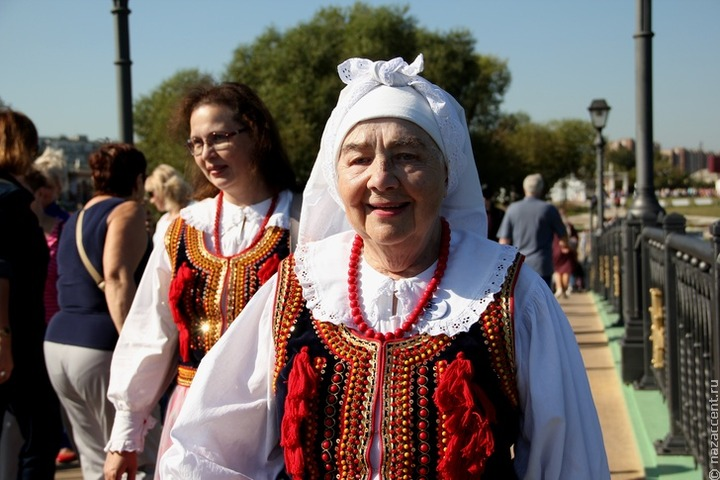 Бабушки в национальных костюмах прочтут сказки младшеклассникам Симферополя