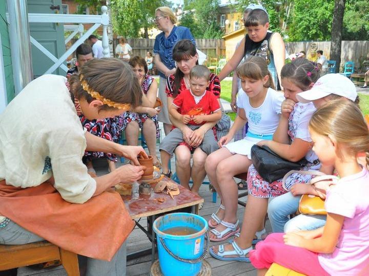 В Волгограде провели серию мастер-классов по народным промыслам