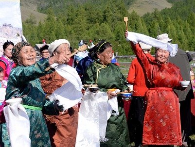 На фестивале чая в Туве окропят землю