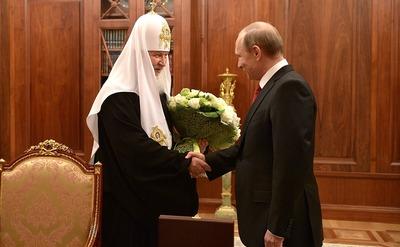 Путин поздравил Патриарха Кирилла с Днем славянской письменности