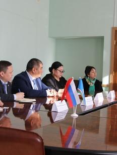 Якутия и Киргизия договорились о сотрудничестве в работе с мигрантами