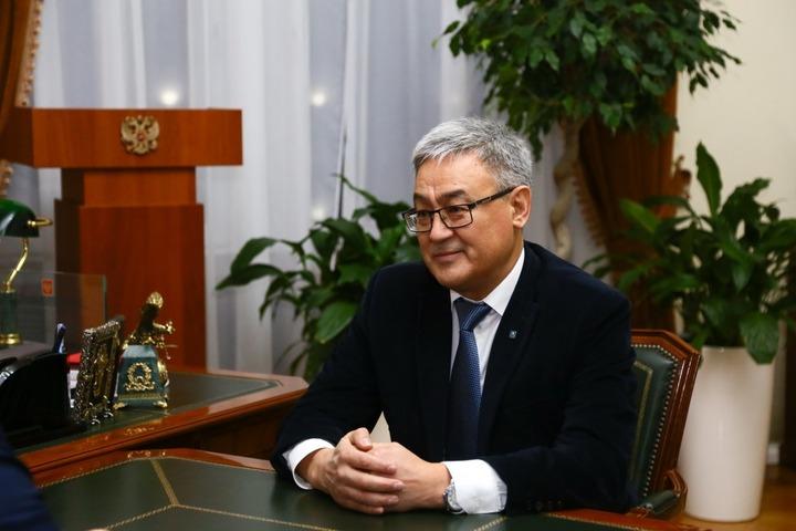 Глава Астраханской области встретился с новым председателем казахского общества