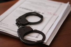 """На полицейского завели уголовное дело за """"оскорбляющий русских"""" пост в соцсети"""
