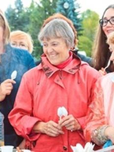 Шесть казанов плова и 30 литров ухи съели петербуржцы на фестивале национальных кухонь