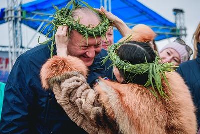 Губернатор Камчатки поучаствовал в ительменском обряде заманивания рыбы в реки