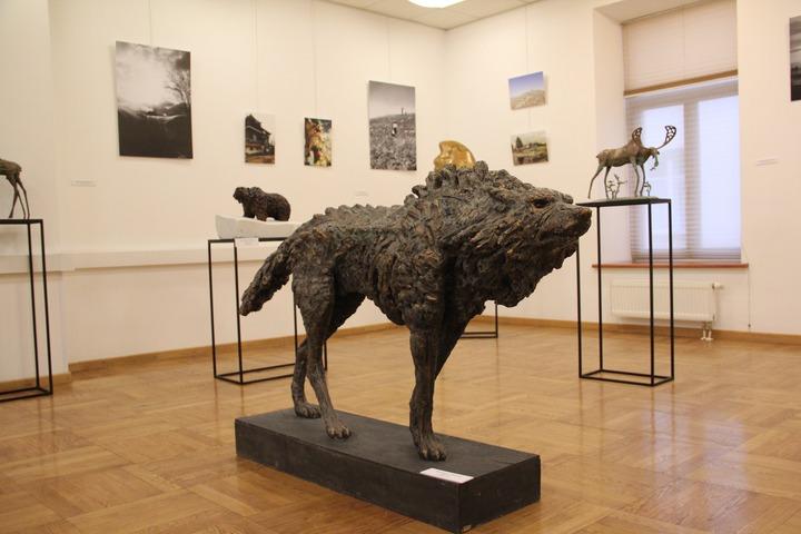 Выставка бурятских скульпторов Виктора Эрдынеева и Василисы Липатовой