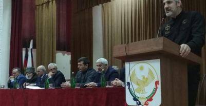 На съезде чеченцев-аккинцев пожаловались на отсутствие национального района