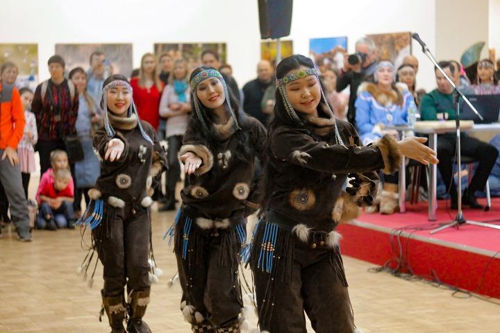 Григорий Ледков опубликовал поздравление с Днем коренных народов мира