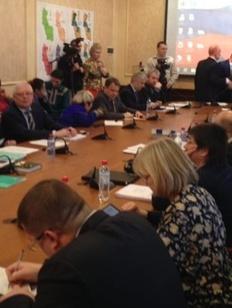 Григорий Ледков подключился к решению спора жителей Нумто с нефтяниками