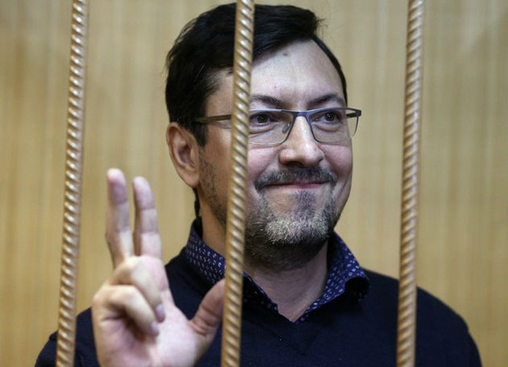 СМИ: Следователя отстранили от работы за угрозы убийством националисту Поткину