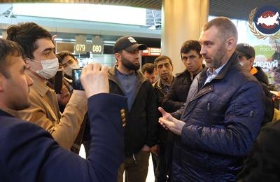 Федерация мигрантов России попросила Мишустина отменить плату за патент на время коронавируса