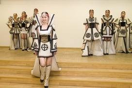 """Модельеры из семи стран представят свои коллекции на конкурсе """"Этно-Эрато"""""""