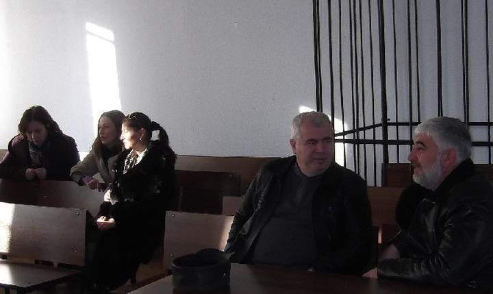 Турецкого репатрианта с дочкой и продавщицей магазина арестовали в Адыгее