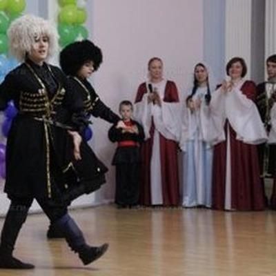 """В Саратове стартовал фестиваль национальных искусств """"В семье единой"""""""