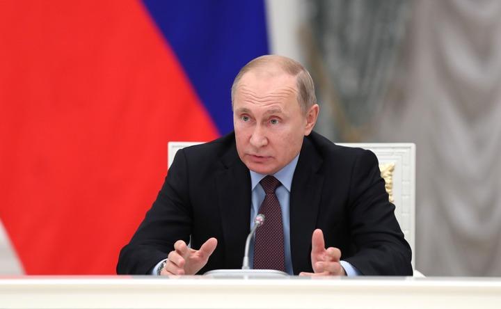 Путин согласился с созданием базы данных для въезжающих в РФ мигрантов
