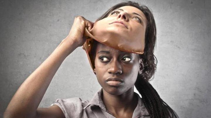"""Ученые: Изучая языки, искусственный разум становится """"расистом"""""""