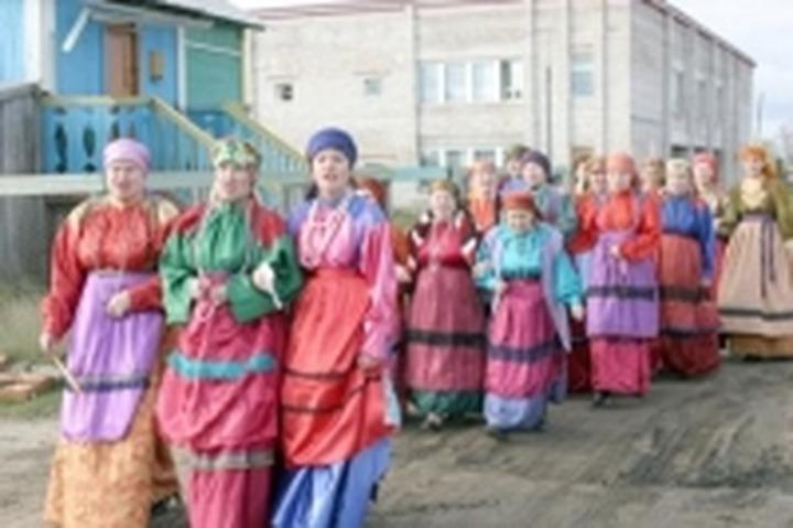 Жителям Нарьян-Мара продемонстрировали старинную одежду коми