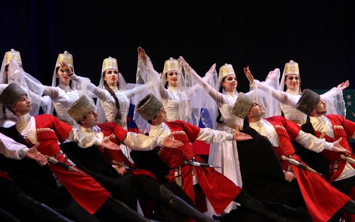 Княжеский танец Кафа и народный танец Исламей представили на фестивале в Ставрополе