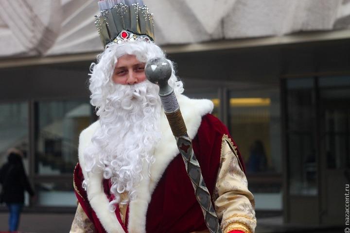 """Деды Морозы разных национальностей проведут """"Новогодние гуляния"""" в Москве"""