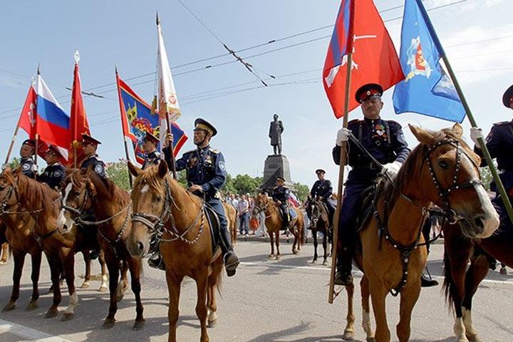 Улицы Москвы будут патрулировать казаки на мотоциклах