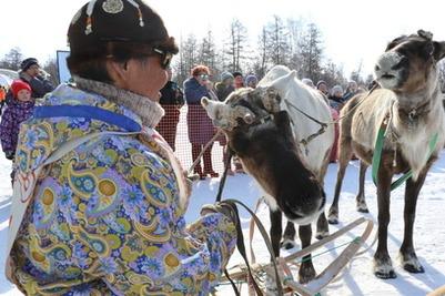 На Камчатке соревновались в метании тынзяна на хорей