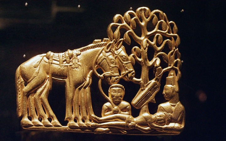Крымские археологи нашли золотые украшения скифов