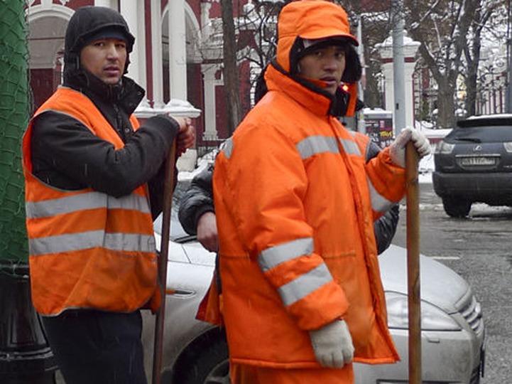 Глава Минтруда: Работа мигрантов и россиян должна оплачиваться одинаково