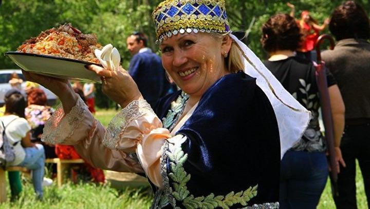 "В Симферополе отпразднуют татарский ""Сабантуй"""