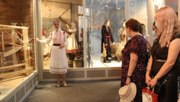 Выставку в марийском музее дополнили аудиосопровождением на трех языках