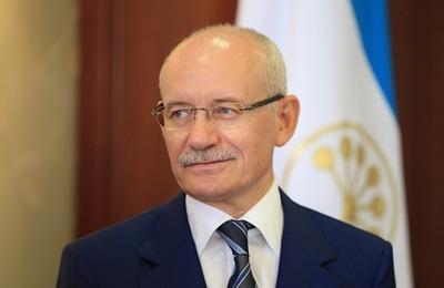 Глава Башкирии заявил о возможной отмене обязательного изучения башкирского языка в школе