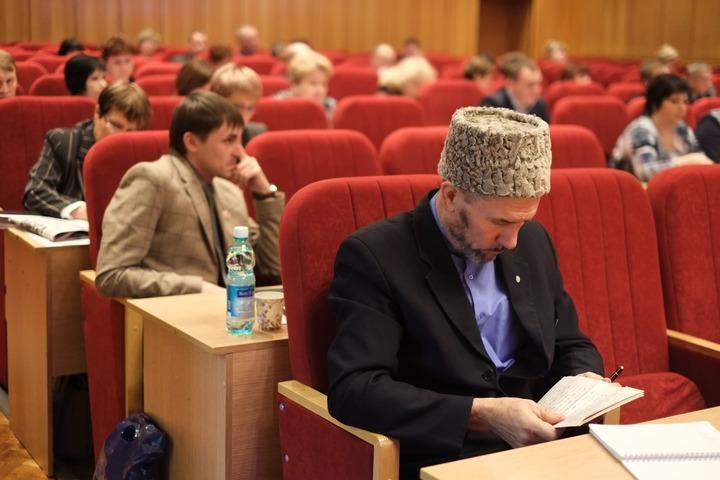 В Кировской области выпустили справочник о национальностях и религиях региона