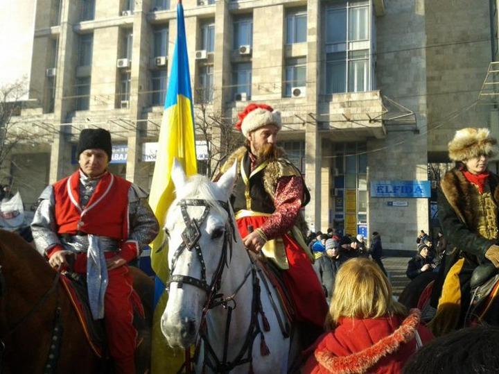 Атаман ЦКВ: Российские казаки не имеют права ехать на Майдан без приказа президента