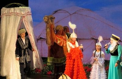Казахский верблюд произвел фурор на национальном фестивале в заполярном Норильске