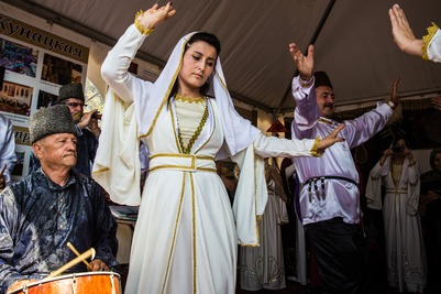 Миннац Дагестана запустил фотофлешмоб в национальных костюмах