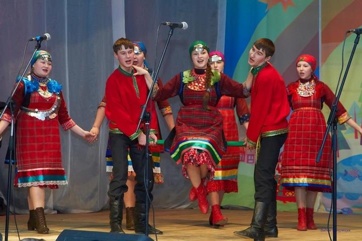 На фестивале аутентичного фольклора в Ижевске показали забытые удмуртские обряды