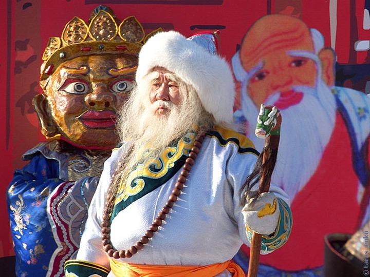 Бурятские новогодние елки начались в резиденции Белого Старца