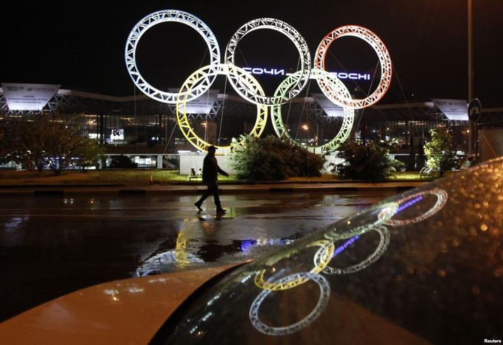В Брянске олимпийский факелоносец станцевал лезгинку